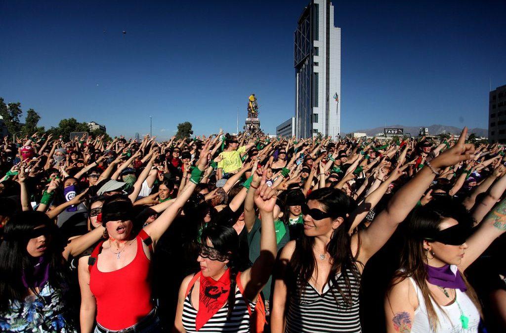 Columna en El Desconcierto: «Octubre de voces feministas y disidentes en la ocupación de la ciudad»